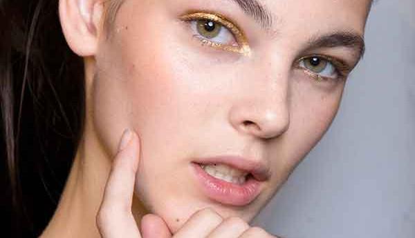 Этим летом в моде бронзовые и золотые оттенки в макияже.
