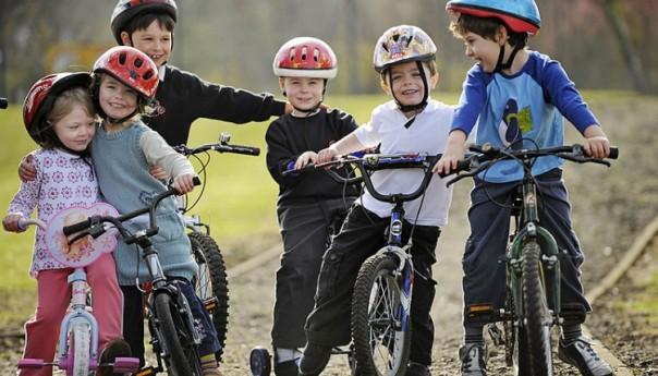 Как сделать детство ребенка ярким и активным?