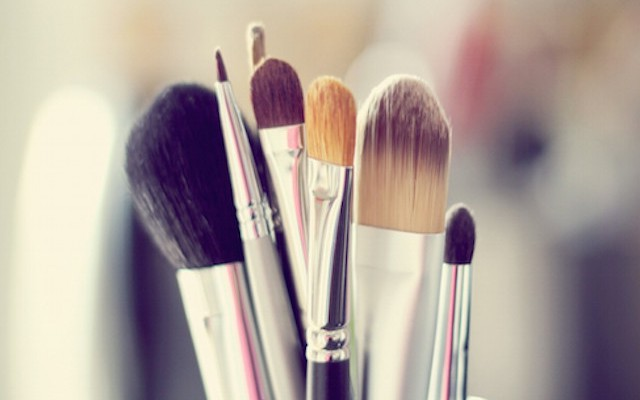 Make-Up-Brushes-640x400