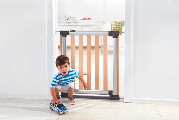 Как выбрать детские ворота безопасности